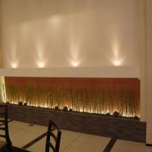 壁に小竹の装飾もあります。