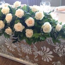 メインテーブルの基本の装花