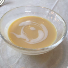 冷たいコーンスープ