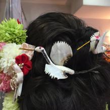 頭に鶴をつけていただきました。