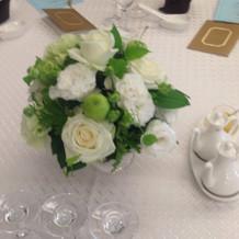 招待客の装花です。