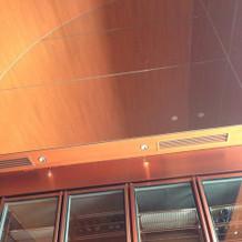 新郎新婦控え室の天井