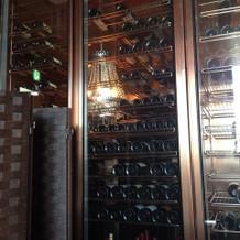 新郎新婦控え室のワインセラー