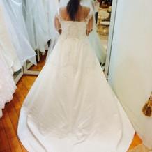 選んだドレス。