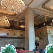 ホテルのシャンデリア
