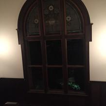 階段のステンドグラス