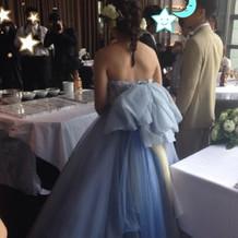 ドレスの後ろ姿が気に入っています