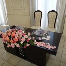 新郎新婦のメインテーブルです。