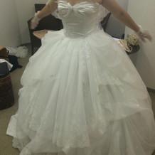 ウェディングドレスです!