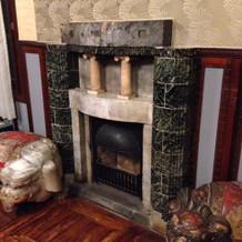 クラッシクな暖炉