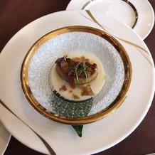 アーモンド豆腐とフォアグラのサラダ