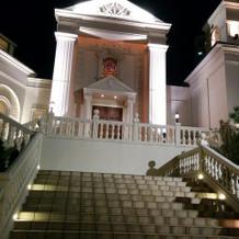 雰囲気のある階段です。