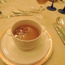 フカヒレの姿が入ったスープです。