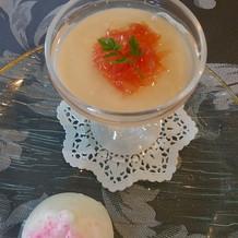 桃まんじゅうと杏仁豆腐