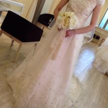 私が当日着たウエディングドレスです^ ^