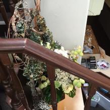 2階への階段も素敵。
