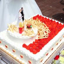 挙式後のケーキ