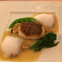 魚料理:ムール貝のソースカプチーノ仕立