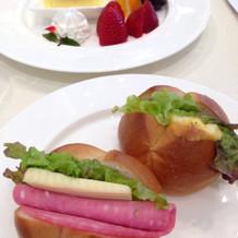 子どものサンドイッチとデザート