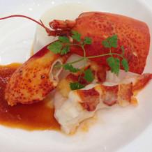 白身魚のムースとオマールのポワレ