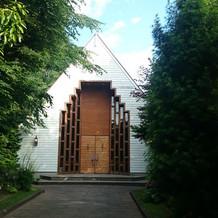 教会正面の写真