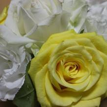 式場のお花は花束にしてゲストに!