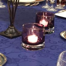 テーブルのキャンドル。