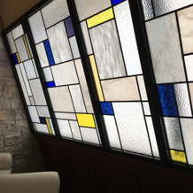 壁のステンドグラス