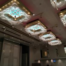 天井の高い会場
