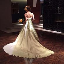 一目惚れしたドレスです。