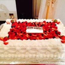 プランのウェディングケーキ