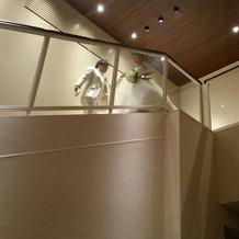 ジェイドの部屋には階段があり
