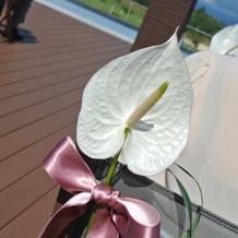 お花のリボンをピンクに