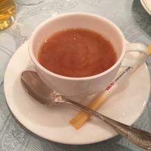 ウェディングケーキと一緒に出てきた紅茶