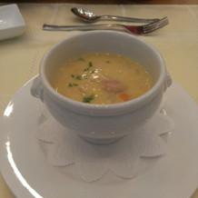 スープは濃厚です。
