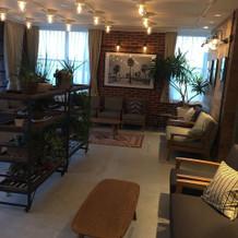 チャペルの階の休憩スペース