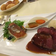 お肉も魚も美味しかったです。
