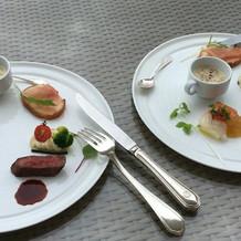 ホテルらしい洒落た料理。