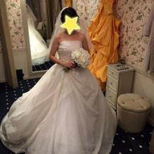 一人一人用意されている個室でのドレス選び