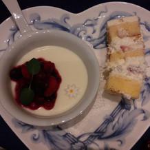 デザート+ケーキカットのケーキ