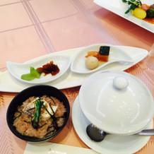 最後の茶碗蒸し、白身魚のお赤飯、香の物。
