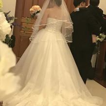 大満足のウェディングドレスです。