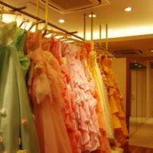 色んなカラードレスがありました