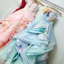 悩んだドレス