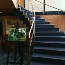 式場に入ってすぐの螺旋階段