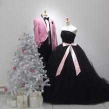 ブラックのカラードレス