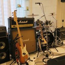 披露宴会場でバンド演奏できました。