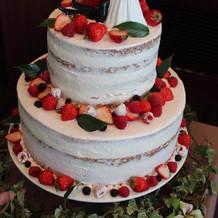 ウェディングケーキ1。