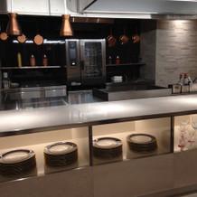 新会場・OPキッチンで音も匂いも楽しめる