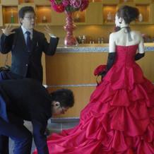赤×黒コーデは衣装プランナーさんと考えて